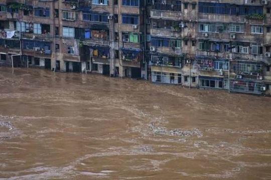 Trung Quốc: Mưa lớn không dứt, lũ lụt dồn dập, người chết gia tăng - Ảnh 1.