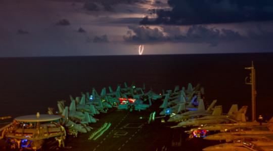 Thời báo Hoàn cầu ra đòn gió, hải quân Mỹ đáp trả đích danh - Ảnh 2.