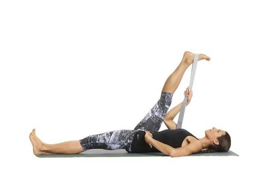 8 tư thế yoga cần thiết cho người chạy bộ - Ảnh 4.