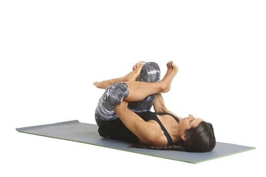 8 tư thế yoga cần thiết cho người chạy bộ - Ảnh 5.
