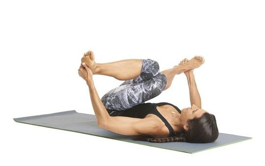 8 tư thế yoga cần thiết cho người chạy bộ - Ảnh 6.