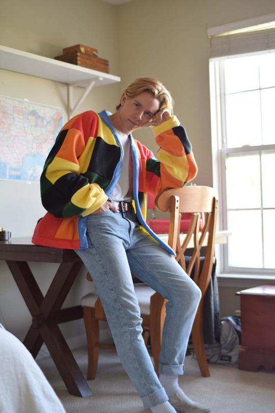 Dân mạng đua nhau đan áo len 1.890 USD giống Harry Style - Ảnh 6.