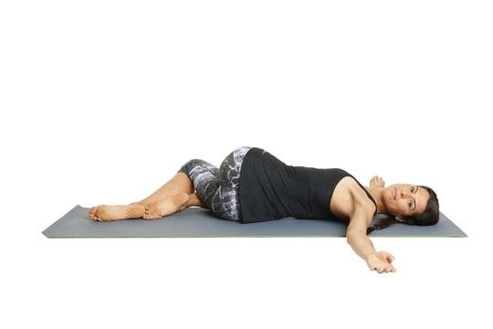 8 tư thế yoga cần thiết cho người chạy bộ - Ảnh 7.