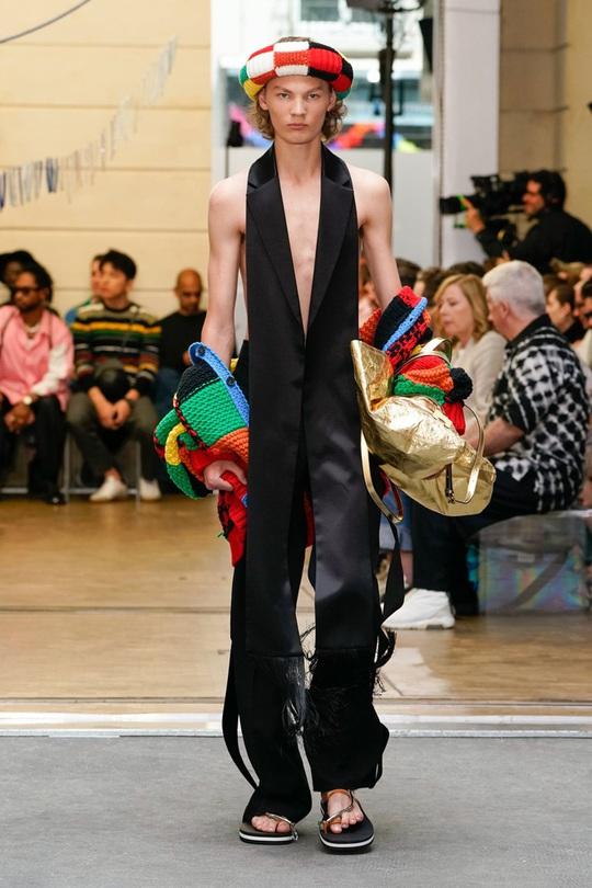 Dân mạng đua nhau đan áo len 1.890 USD giống Harry Style - Ảnh 7.