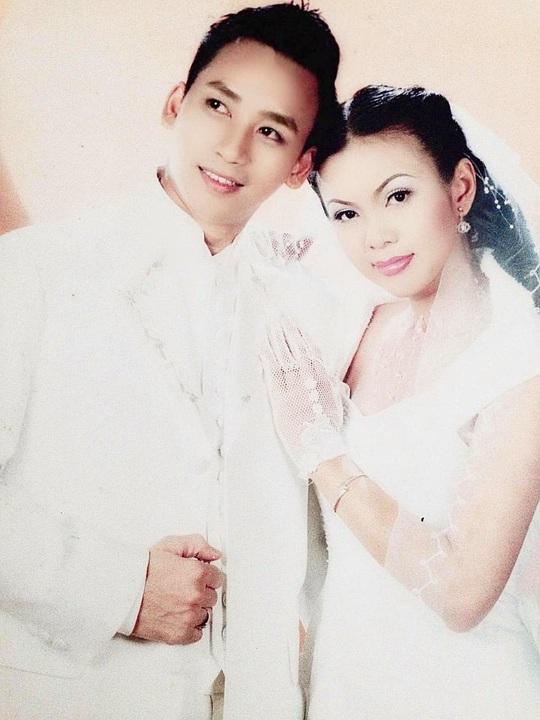 """Lộ hình ảnh kỷ niệm ngày cưới """"Hạnh Phúc Vàng Son"""" của ca sĩ Lưu Thiên Ân - Ảnh 11."""