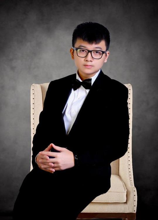 """Lộ hình ảnh kỷ niệm ngày cưới """"Hạnh Phúc Vàng Son"""" của ca sĩ Lưu Thiên Ân - Ảnh 13."""