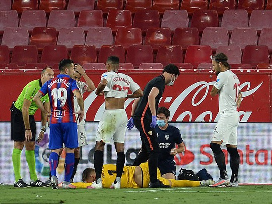 Ghi bàn và cứu thua, Lucas Ocampos sắm vai người hùng Sevilla - Ảnh 4.