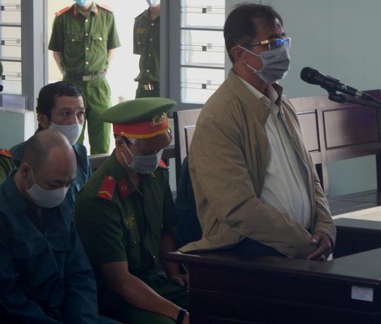 Mở lại phiên tòa xét xử các lãnh đạo TP Phan Thiết vì sai phạm đất đai - Ảnh 3.