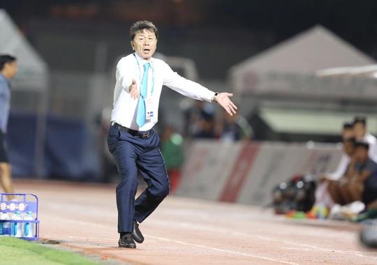 HLV Chung Hae-soung ở lại đội TP HCM? - Ảnh 1.