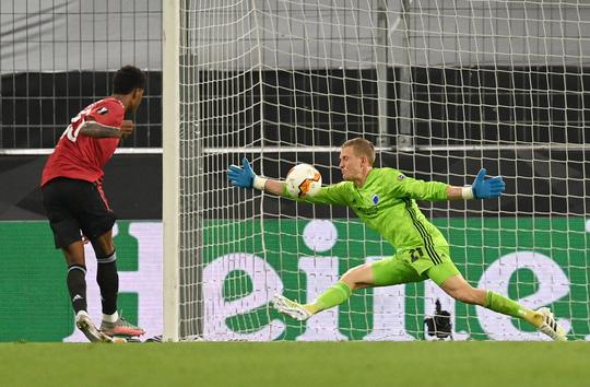 Phạt đền nghiệt ngã, Man United hạ Copenhagen vào bán kết - Ảnh 4.
