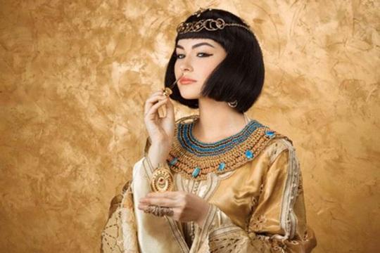 Nước hoa của Nữ hoàng Cleopatra - Ảnh 1.