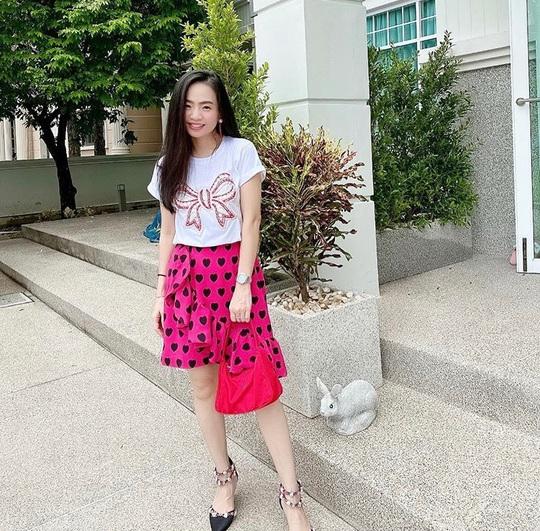 Muôn kiểu chân váy được ưa chuộng nhất mùa hè - Ảnh 11.