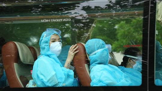 Ninh Thuận: Đón 230 công dân Việt Nam về từ Malaysia - Ảnh 2.