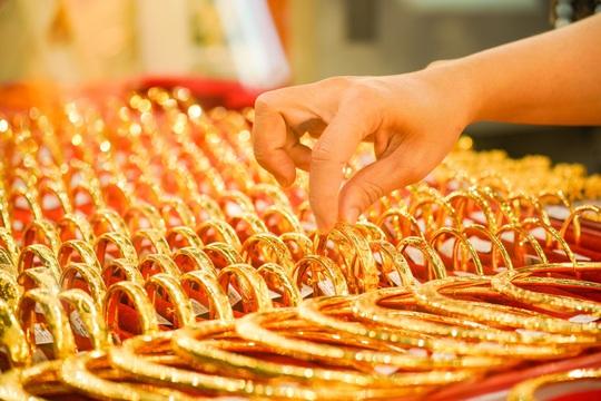'Tôi mua vàng giá đỉnh' - Ảnh 2.