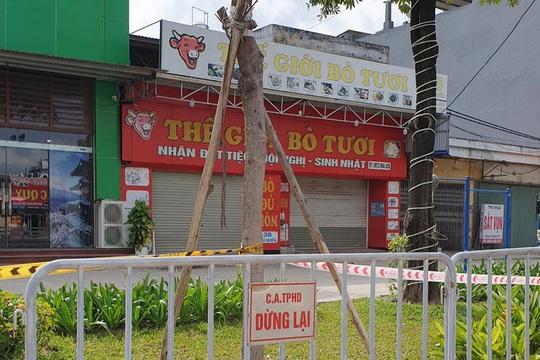 Phong tỏa khu phố, truy vết F1 và F2 trong trường học của nam sinh 15 tuổi mắc Covid-19 - Ảnh 1.