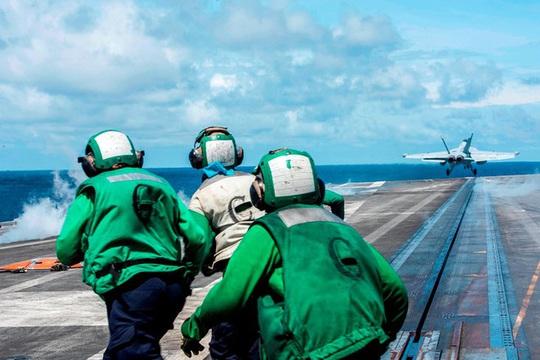 Tàu sân bay Mỹ Ronald Reagan quay lại tập trận ở biển Đông - Ảnh 1.