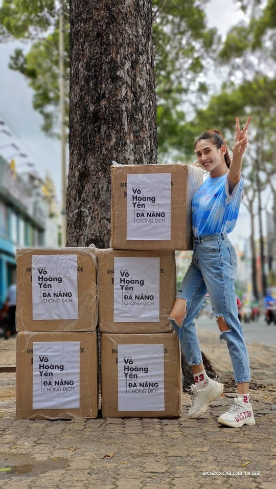 Sao Việt chung tay hướng về Đà Nẵng, Hoài Linh làm thơ - Ảnh 2.