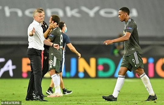 """Man Utd nhận bàn thua, Fernandes bị đồng đội xúc phạmchửi """"đồ chó"""" - Ảnh 2."""