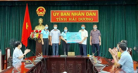 VietinBank ủng hộ tỉnh Hải Dương 5 tỉ đồng phòng, chống dịch Covid-19 - Ảnh 1.
