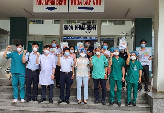 Bộ Y tế công bố kỷ lục về ca mắc Covid-19 khỏi bệnh, xuất viện trong ngày - Ảnh 2.