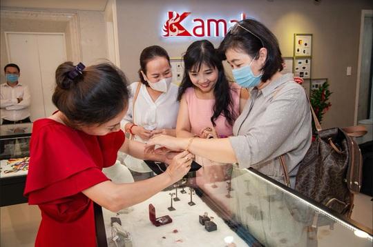 Chính thức khai trương showroom trang sức đá thiên nhiên cao cấp Kamala - Ảnh 3.