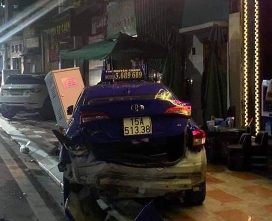 Xe sang Lexus gây tai nạn liên hoàn, nữ công an phường tử nạn - Ảnh 3.