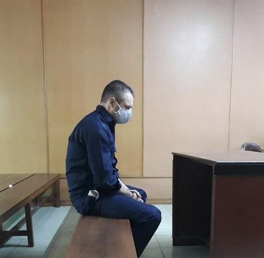Người đàn ông ngoại quốc lãnh hậu quả vì làm liều giữa trung tâm TP HCM - Ảnh 1.