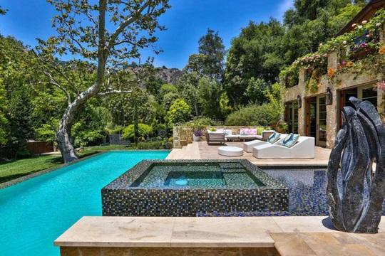 Biệt thự xa xỉ 28 triệu USD của Jennifer Lopez - Ảnh 9.