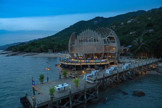 Ấn tượng những khu nghỉ dưỡng biển có kiến trúc độc đáo hàng đầu Việt Nam - Ảnh 2.