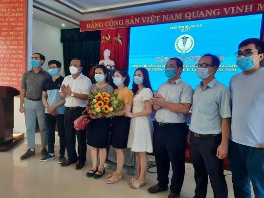 Đoàn chuyên gia TP HCM rời Quảng Nam sau 20 ngày chống Covid-19 - Ảnh 3.