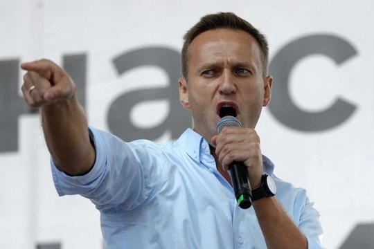 Bác sĩ Nga bác bỏ nghi vấn chính trị gia đối lập Alexei Navalny bị đầu độc - Ảnh 1.