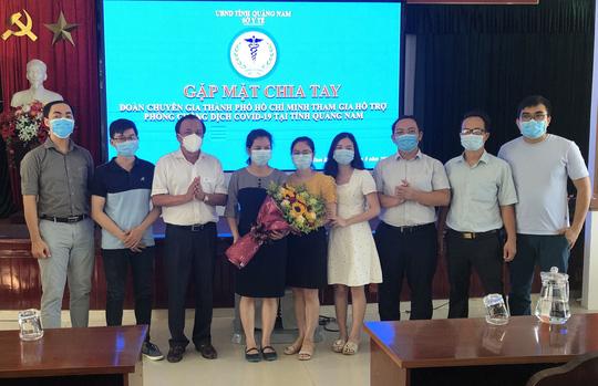 Đoàn chuyên gia TP HCM rời Quảng Nam sau 20 ngày chống Covid-19 - Ảnh 2.