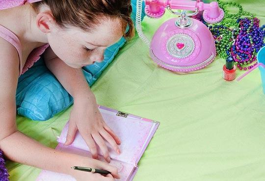 10 cách hiệu quả giúp cha mẹ dạy trẻ về lòng biết ơn - Ảnh 2.