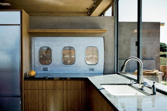 Nữ doanh nhân làm nhà từ máy bay Boeing 747 - Ảnh 3.
