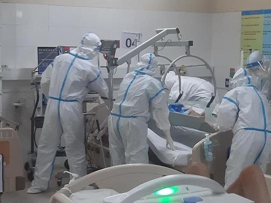 16 bệnh nhân Covid-19 rất nặng, 3 ca tiên lượng tử vong - Ảnh 1.