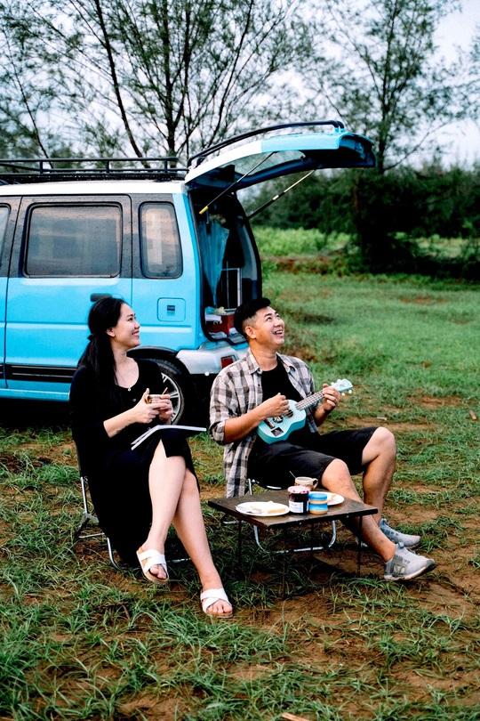 Gia đình vi vu khắp Việt Nam bằng ôtô tự cải tạo - Ảnh 13.