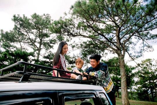 Gia đình vi vu khắp Việt Nam bằng ôtô tự cải tạo - Ảnh 19.