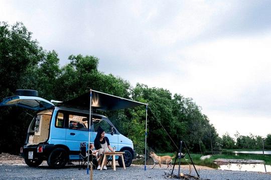 Gia đình vi vu khắp Việt Nam bằng ôtô tự cải tạo - Ảnh 8.