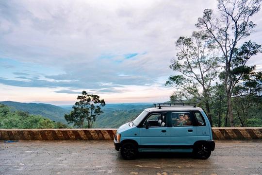 Gia đình vi vu khắp Việt Nam bằng ôtô tự cải tạo - Ảnh 9.