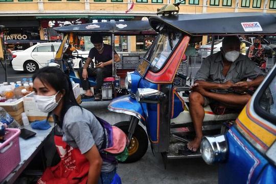 Kịch bản nào cho nền kinh tế quá phụ thuộc du lịch? - Ảnh 3.