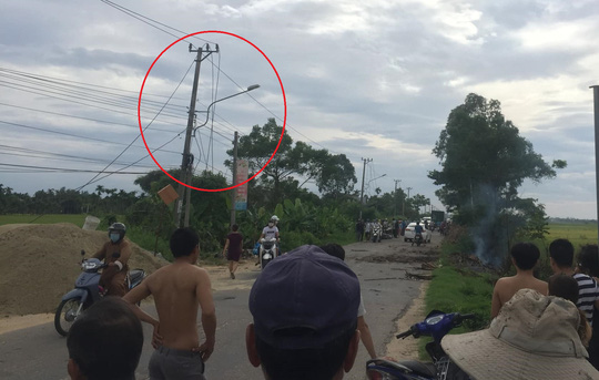 Nhân chứng vụ nổ kinh hoàng ở Quảng Nam: Nạn nhân bị hất bay qua bên kia đường - Ảnh 1.