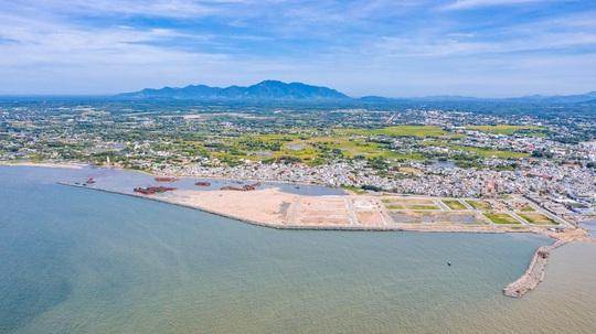 Đua nhau săn đất dự án biển, chờ đón sóng thành phố La Gi - Ảnh 2.