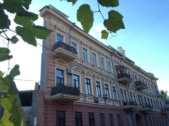 Bí ẩn giật mình bên trong các tòa nhà trên khắp thế giới - Ảnh 2.