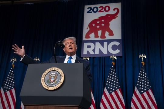 """Bầu cử Mỹ: Ông Donald Trump nhận đòn chỉ trích tới tấp trước """"đêm định mệnh"""" - Ảnh 3."""