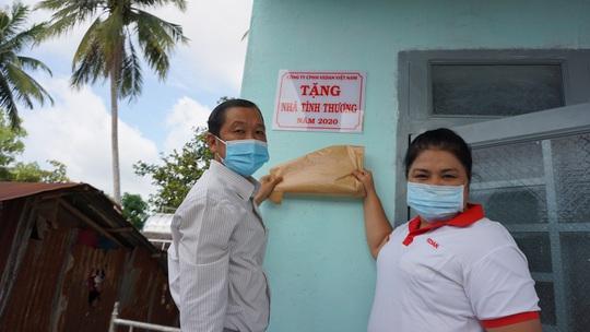 Vedan Việt Nam trao tặng nhà tình thương cho người có hoàn cảnh khó khăn - Ảnh 1.