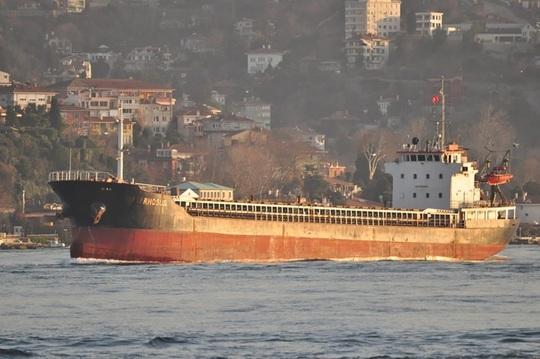 """Nổ cực lớn ở Lebanon: Con tàu bị bỏ rơi trở thành """"bom hẹn giờ kinh hoàng - Ảnh 1."""