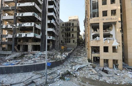 Đang chụp ảnh cưới, cô dâu Lebanon hồn xiêu phách lạc vì vụ nổ Beirut - Ảnh 7.