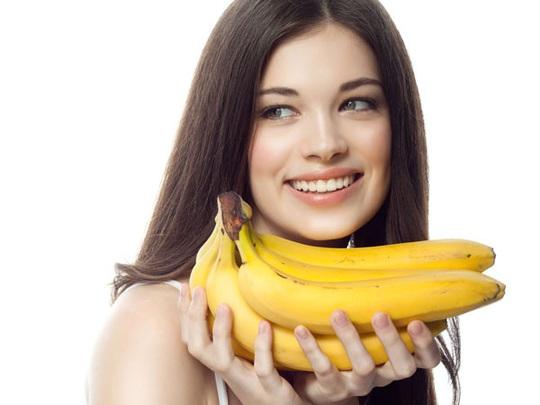 Cách dùng chuối để giảm rụng tóc - Ảnh 1.