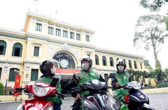 Gojek chính thức hoạt động tại Việt Nam: Tài xế vui vẻ, khách hàng hài lòng - Ảnh 1.