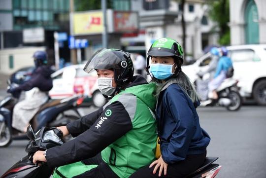 Gojek chính thức hoạt động tại Việt Nam: Tài xế vui vẻ, khách hàng hài lòng - Ảnh 3.